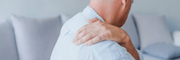 omuz sıkışması